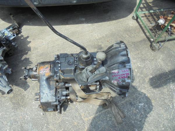 Εικόνα από Σασμάν 4WD  Χειροκίνητο  JEEP RENEGADE (1976-1986)  300596-125 118 1Β