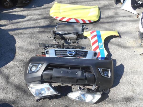 Εικόνα από Μούρη κομπλέ  NISSAN NAVARA NP300 (2015-...)     diesel προφυλακτήρας, φανάρια, φτερό εμπρός αριστερό, μετώπη, ψυγείο aircondition, intercooler, αερόσακοι κ.λ.π